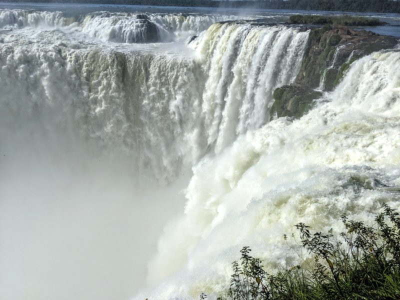 観光のハイライトはやっぱりイグアスの滝!